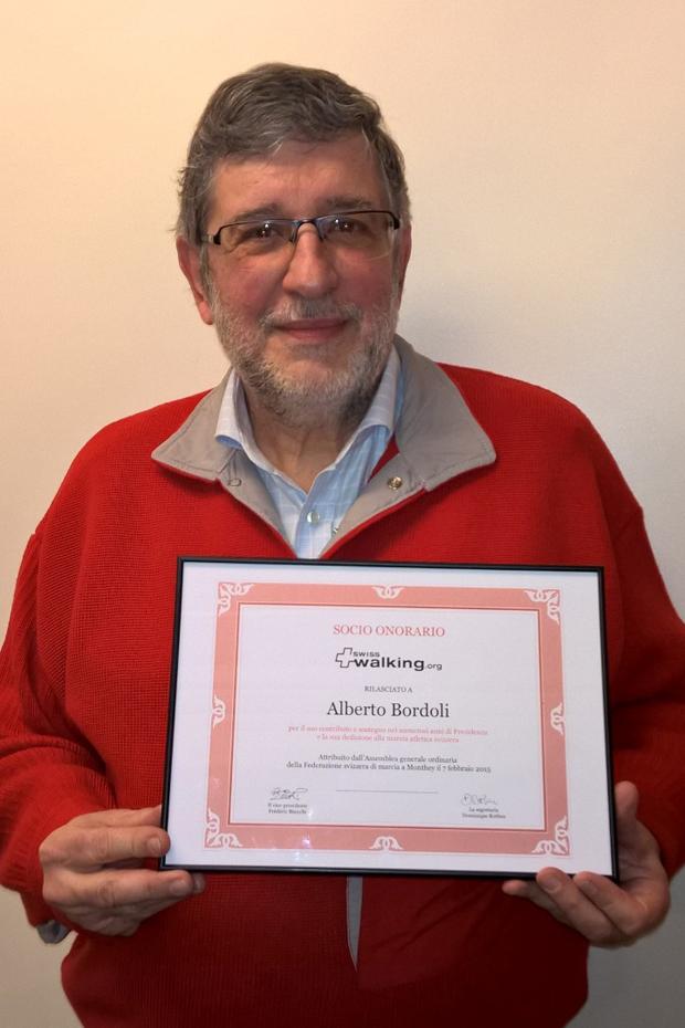 Le Tessinois Alberto Bordoli ému de l'honneur reçu le 7 février 2015. [Jérôme Genet / FSM / Swisswalking.org]