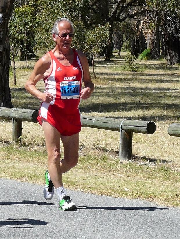 Alexis de Coppet avec le maillot suisse sur le 10km en Australie [E. Tardi]